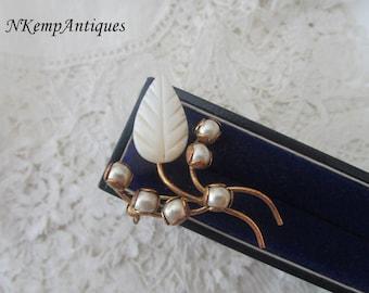 1930's pearl brooch