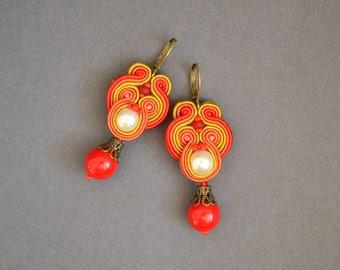 Colorful Soutache earrings - Statement Earrings, Soutache Earrings, Beaded Earrings, Hand Embroidered Earrings,Fiber Earrings