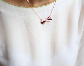 Fine gold Ora necklace pink