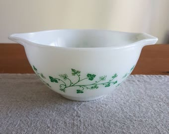 Pyrex Cinderella nesting mixing bowl #441, Ivy pattern - green vines on white with handle & spout, 1-1/2 pints, retro kitchen, replacement