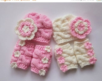 ON SALE 20% DISCOUNT NewBorn Baby  Twin Girls Outfits -  Hats and Leg Warmers for Twins Girls - Knit  Newborn Photo Props - Newborn Baby Twi