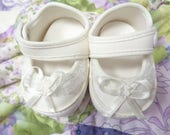 """White Baby Doll Shoes-     SIZE 2 = 2-7/8"""" x 1-5/8"""""""