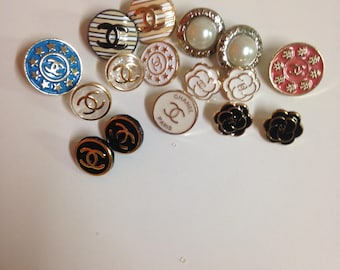 Lot mix (16) buttons Chanel