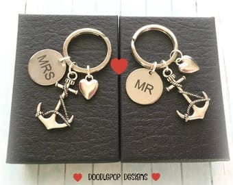 Mr and Mrs anchor keyrings - Personalised Wedding gift - Valentine's Day gift - Couple keychains - Anniversary gift - Anchor keychains - UK