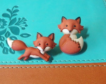 2 Darling Woodland Fox Buttons Sitting Running Fox NOS