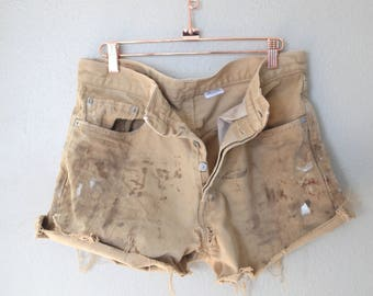 vintage 1980's distressed tan cut off levis 501 button fly  jean shorts 32