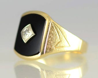 Vintage Men's Black Onyx and Diamond 14K Yellow Solid Gold Ring Size 10