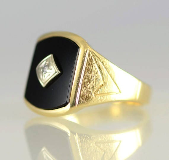 Vintage Men s Black yx and Diamond 14K Yellow Solid Gold
