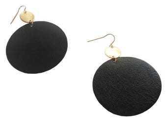 Black Leather Circled Earrings; Brass Circle Earrings; Leather Jewelry; Leather Earrings; Dangle Earrings; Leather and Brass Earrings