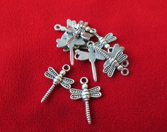 """BULK! 30pc """"dragonfly"""" charms in antique silver style (BC12B)"""