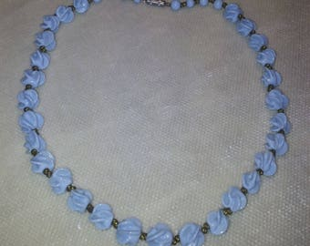 THE CARVED BLUE GLASS BEAD CHOKER