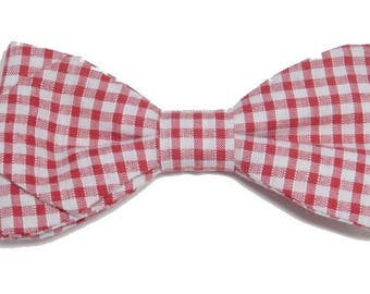 Bow tie red and white gingham with sharp edges