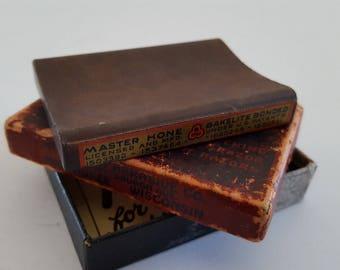 Vintage 1920's Master Hone Bakelite Bonded straight razor hone, blade true, original box and instructions made by Wisconsin Abrasives Co