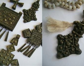 Handgeknoopte mala van 108 glaskralen met vintage Koptisch amulet Ethiopië, Afrika