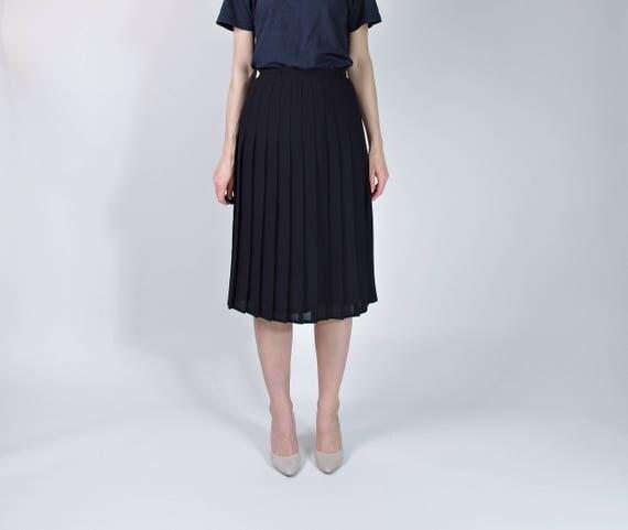 SALE! 70s Minimalist Georgette Permanent Press Street Style Midi Skirt / Size M/L