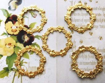 5pcs 30mm prints or connectors form circle and purple flowers gold plated brass
