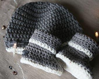 Newborn Baby set hat and booties
