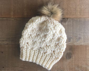 Crocheted shell beanie, beanie with pom, chunky beanie, winter hat, winter accessory, beanie