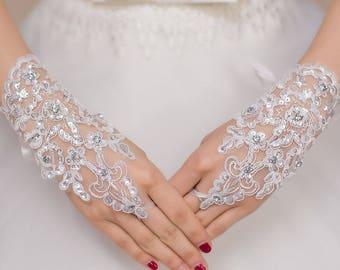 Off White Enchanting Lace Diamond Fishnet Gloves New! Ready 5-6 days.