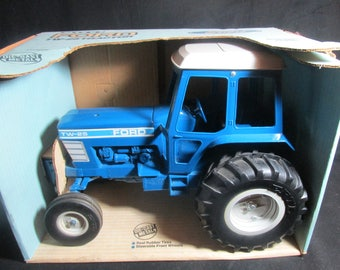 Ertl Toys, Ford TW-25 Tractor, 1:12 scale model #819, Vintage