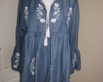 Handmade Foxy Blue And White Floral Embroidered Boho Hippie Top Blouse M L