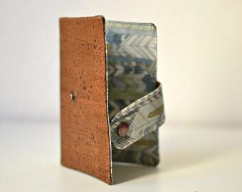 Etui passeport en liège marron, protège passeport fait main & original, couverture en cuir de liège végétal, Liberty Ebs pétrole, mixte