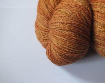 Hand dyed yarn, merino, 4ply, natural dye, autumn leaves brown colour