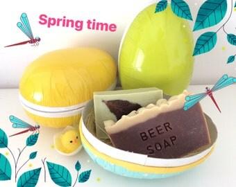 Confezione di Pasqua con 2 saponi naturali fatti a mano, Easter egg with 2 natural soaps, easter gift, Natural soaps in a colorfull egg