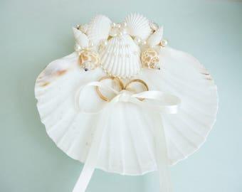 Shell ring holder, Wedding Ring Holder, Sea shell Ring Bearer, Sea Wedding, Ring Bearer, Beach Wedding, Sea Shell Ring Pillow