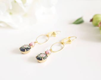 "Earrings ""Akulina"" Golden brass & cabochon"