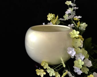 Vintage Haeger ceramic pottery bowl planter yellowish green