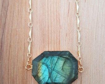 15% OFF SALE Labradorite Choker Necklace 14K Gold Filled Bar Chain Necklace / Labradorite Pendant / Flash Labradorite Stone / Necklace / Gol