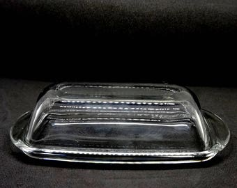 "Clear Glass; Butter Dish; Approx. 2.5""h x 5.5""L x 2.25""w; for One Stick of Butter;"
