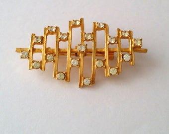 Vintage Gold Tone Clear Rhinestone Brooch