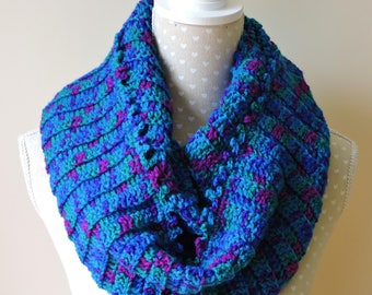 Infinity Scarf, Snood in Shades of Blue and Green