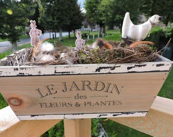 VINTAGE STYLE WOOD WITH ITS NESTS PLANTER