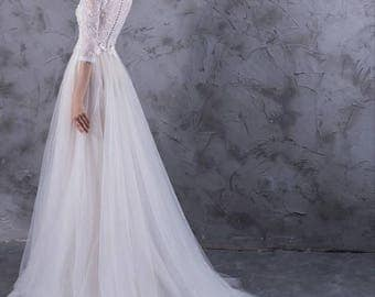 3 Quarter Sleeve Lace and Tulle Wedding Dress