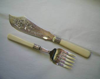 Attractive Pair of Pierced Silver Plated FISH SERVERS circa 1910