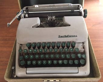 Smith-Corona Clipper Typewriter