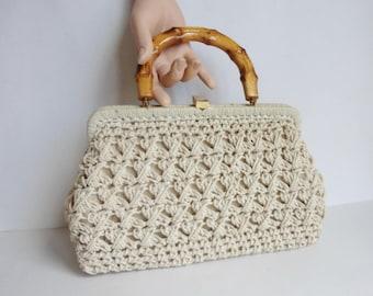 Lovely 60s Ivory Vegan Crocheted Vintage Bag // Bamboo Handle // Golden Closure