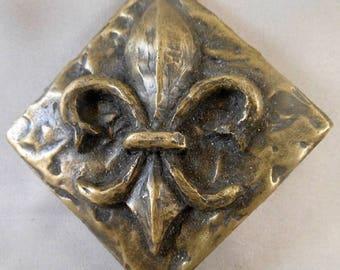 BrassS Fleur d' Lis Decorative Dot