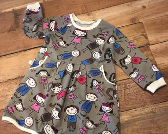 Dress with dolls, MT 86, 11/2-2yrs