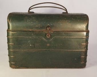Green Vintage Lunch Box