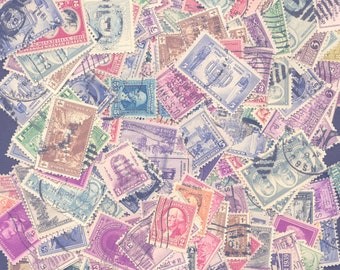 United States Postage Stamps - A Mixture of Used Stamps, Old Commemoratives, from 1920 thru 1944, Very good mix, See Image