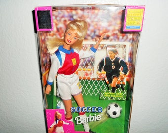 "Barbie Soccer Star ""MIA HAMM""/Fifa Women's World Cup USA/Officially Licensed Product/She Can Really Kick & Throw Just Like Mia! New In Box"