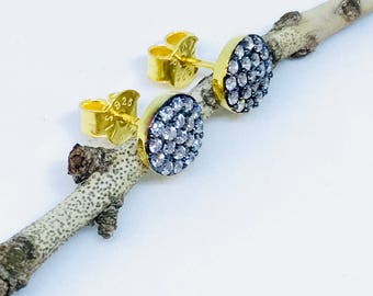 Round white zircon stud earrings set in sterling silver 925 gold vermeil . Genuine natural stones.