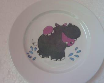 """Trois assiettes rondes appelées """" Les animaux de la jungle"""""""