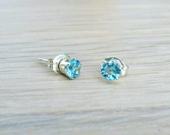 Swiss blue Topaz and sterling silver earrings - 4mm gemstone