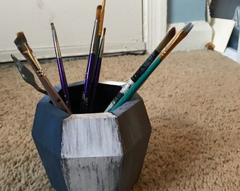 Pencil or brush holder