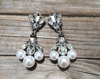 Vintage Three Pearl Earrings, Christmas Earrings, Holiday Earrings, New Years Earrings, Wedding Earrings